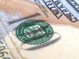 Курс доллара на 17 февраля — 357,71 тенге